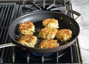 pan frying crab cakes